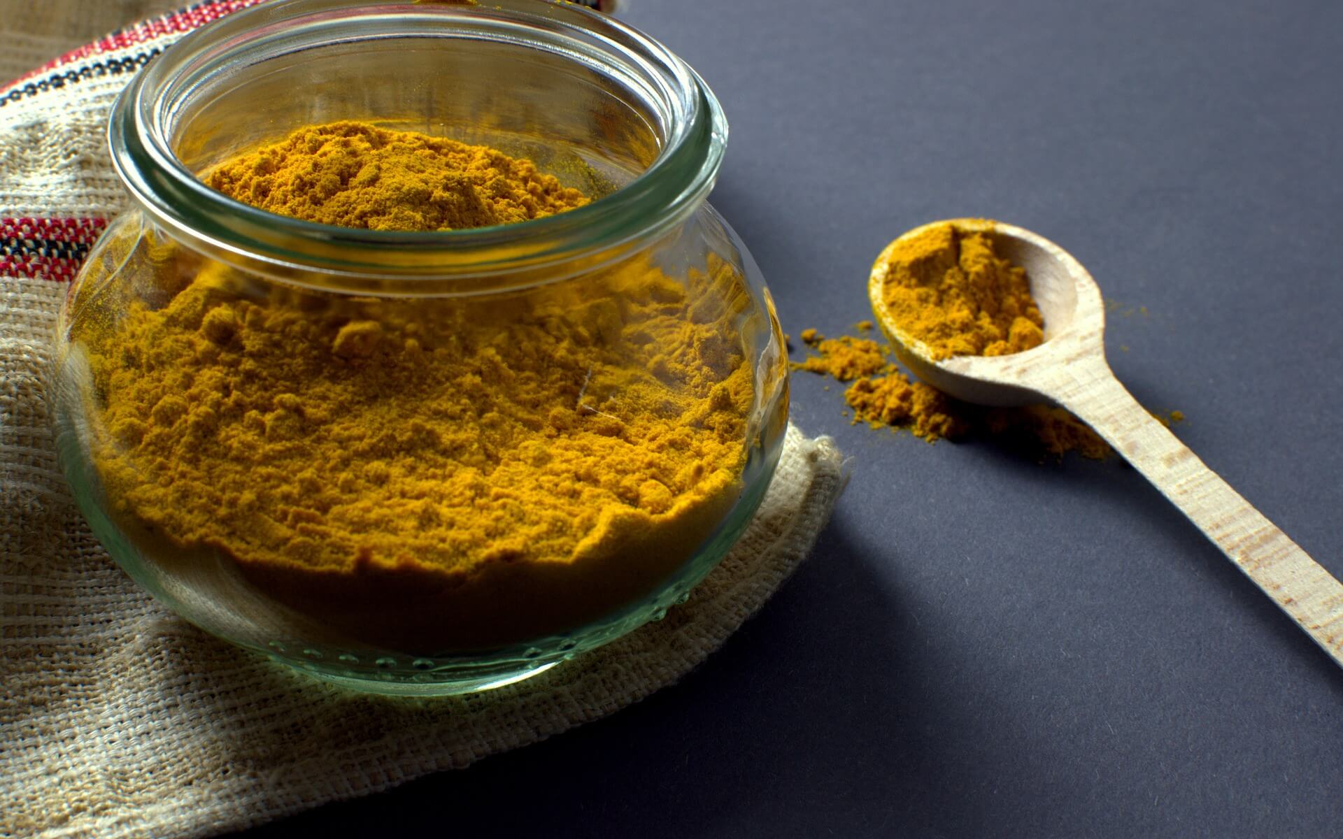The potential health benefits of curcumin include better regulation of inflammation. It is used in the treatment of numerous inflammatory conditions for its anti-inflammatory effects. Curcumin is thought to slow down the inflammatory pathway, although this line