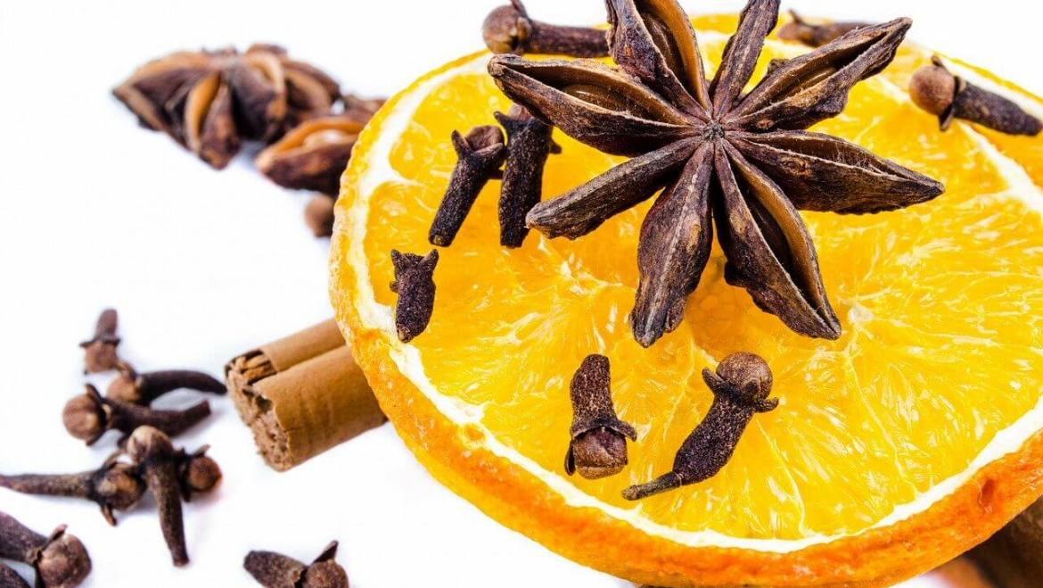 Benefits and Uses of Clove Oil