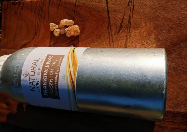 frankincense-essential-oil-1litre-UK-united kingdom
